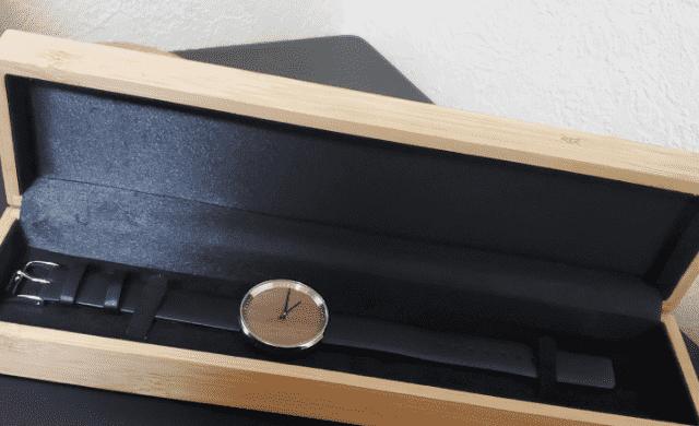 ヴェアホイの木製ケース2